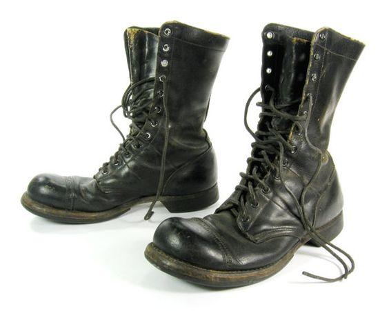 Original Corcoran Jump Boots / Black Leather Boots / Cap Toe / Split Sole / Combat Boots / Black Leather Laces/ Stoughton MASS / Size 8 C