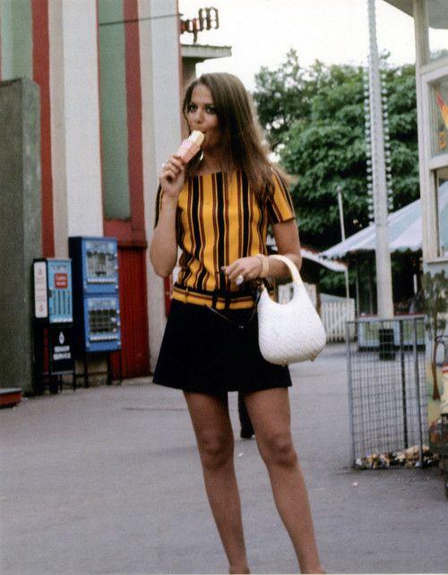 Natalie Wood disfrutando de un helado