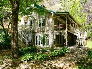 CREEKSIDE WATERFALL - BUBBLING HOT TUB, WATERFALLS AVAILABLE OCT 12-17Vacation Rental in Laurel Springs from @homeaway! #vacation #rental #travel #homeaway