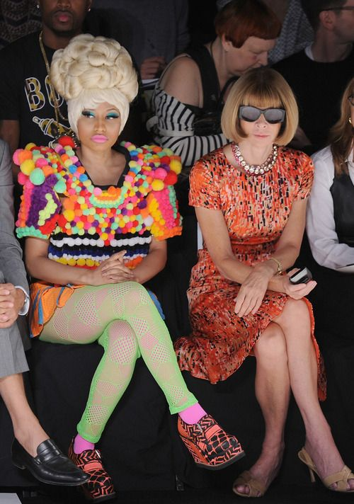 Is it just me or there's something wrong with this picture?: Annawintour, Fashion Weeks, Nicki Minaj Outfits, Fashion Show, Anna Wintour, Look Books, Carolina Herrera S, Minaj Anna, My Style