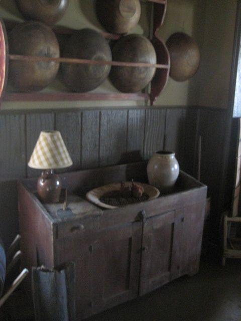. @Carmen Perez Calvo mira ese mueble en que ponen los bol..... divine