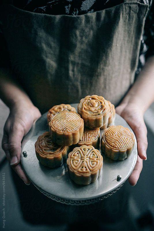 Making mooncakes to celebrate Autumn festival