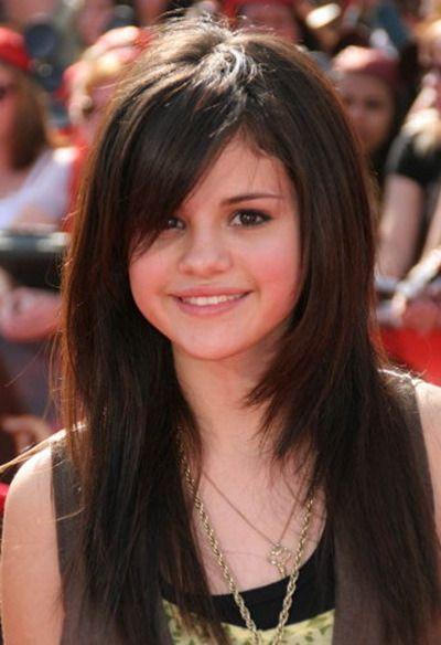selena gomez hair 2010 | Selena Gomez's Hairstyle « Selena Gomez