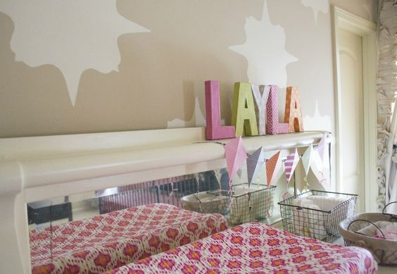 Brilliant - place a mirror alongside the changing table so baby has something to look at during diaper changes! #nursery