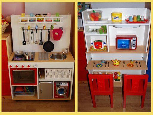 la biblioteca vieja y conviértela en una linda cocina de juguete