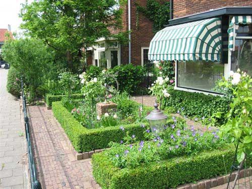Voorbeeld van een voortuin van een jaren30 woning jaren 30 tuin - Voorbeeld van tuin ...