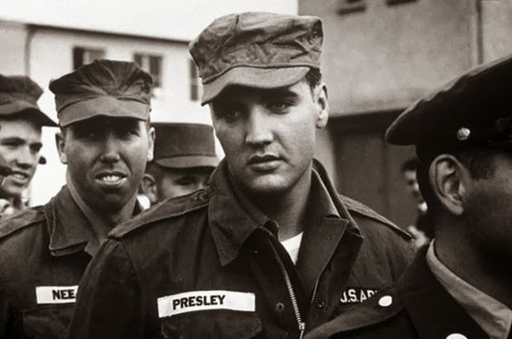34 Historical Pictures - Elvis in the Army