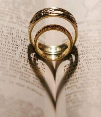 Two rings, two people, one #heart. What creative #wedding photos have you seen? #HitchedBridal #HK