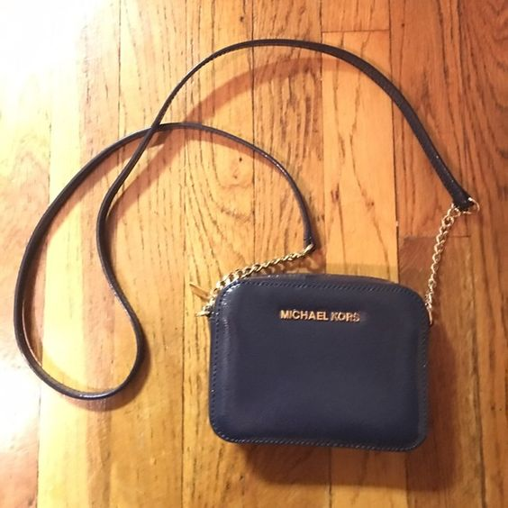 c444a457b70372 ... hot michael kors crossbody purse navy blue in excellent condition long  strap with gold hardware 30c39