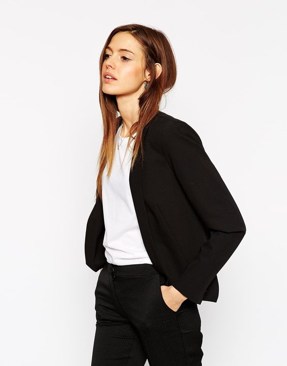 This blazer with dropped hem is so classic, I really love the clean design. Find it here: http://asos.do/cFgx1z