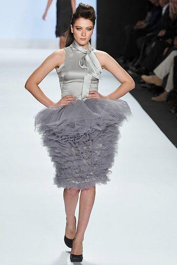 Carol Hannah Whitfield, New York Fashion Week Fall 2009- peg-top skirt style with fullness at the top then gradually narrowing