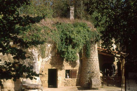 Village Troglodytique De Louresse Rochemenier Saumur Office De Tourisme Tourisme