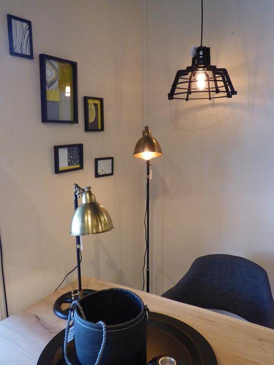 Iluminaci n showroom tienda interior l mparas - Apliques pared modernos ...