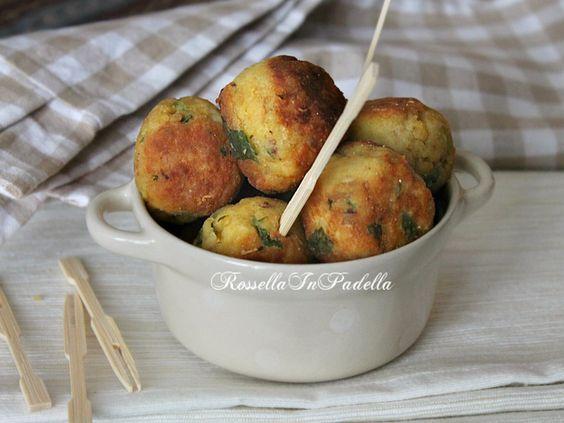 Polpette di pollo e patate. Deliziose polpette ideali a pranzo o cena o come antipasto o appetizer. Cotte al forno o in padella, sono buonissime