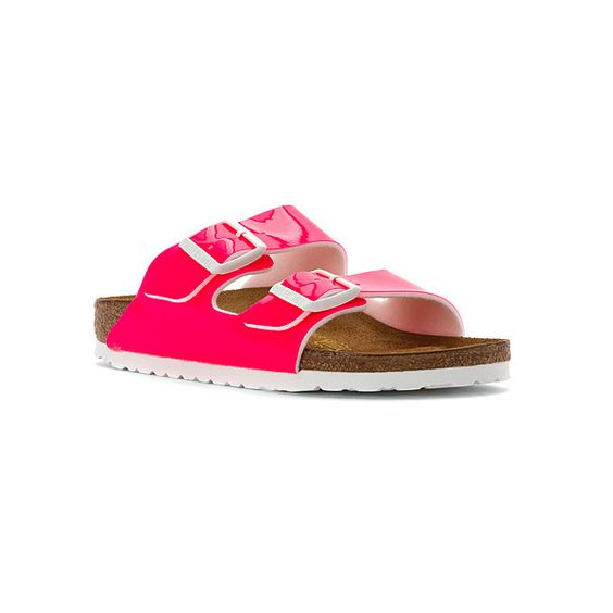 Birkenstock Arizona ($100) ❤ liked on Polyvore featuring shoes, sandals, birkenstock footwear, grip shoes, traction shoes, lightweight shoes and birkenstock shoes
