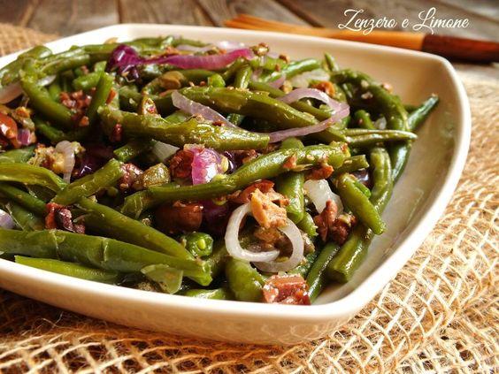 Questa insalata di fagiolini verdi è un contorno gustosissimo, economico e sfizioso che si prepara senza alcuna difficoltà! Successo garantito!