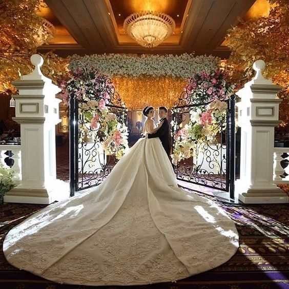Awe-inspiring! A royal wedding gown by #eddybetty for a royal wedding at the Ballroom Mulia Hotel