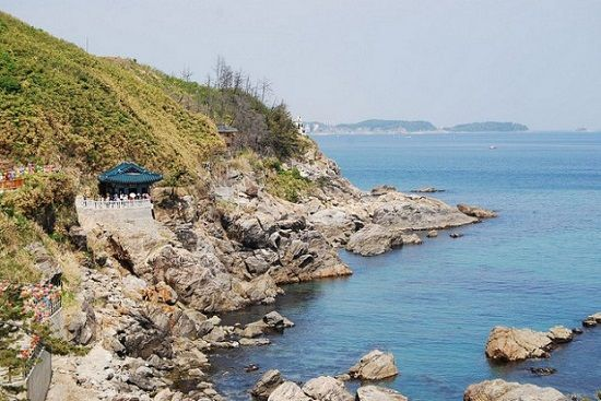 Bãi biển Naksan thoáng mát và nên thơ ở Hàn Quốc