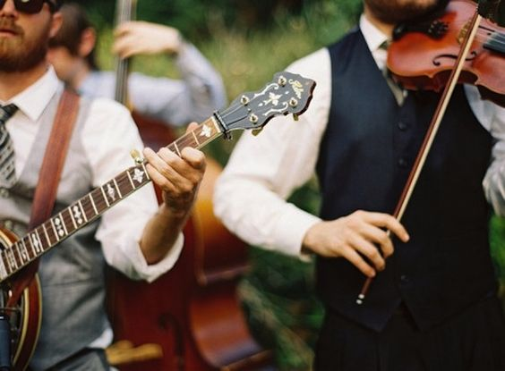 Expert Tips On Hiring Live Musicians For Your Wedding:
