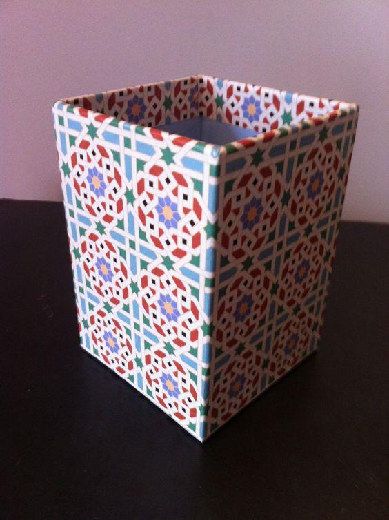 fr_grand_pot_a_crayons_en_papier_mache_decor_papier_aux_motifs_orientaux_marocains_