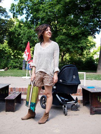 Hauptstadtmutti Berlin Stylish mom Summer knit wear: Debbie Lester, Stylish Mom, Street Style, Mommy Uniform, Mom Summer