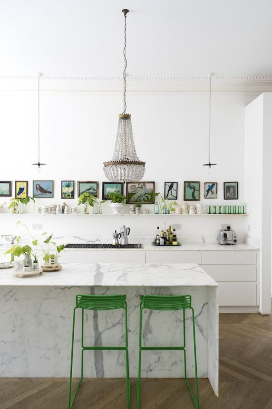 A bright house in London where greenery is part of the colour scheme.: