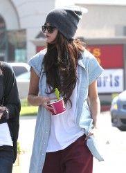 04 March 2013 | Selena Gomez | Menchie's Frozen Yogurt in LA