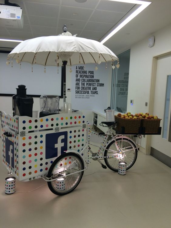 Facebook are in our London office and they've brought a juicer bike with them - yay! #thrive #DJLT