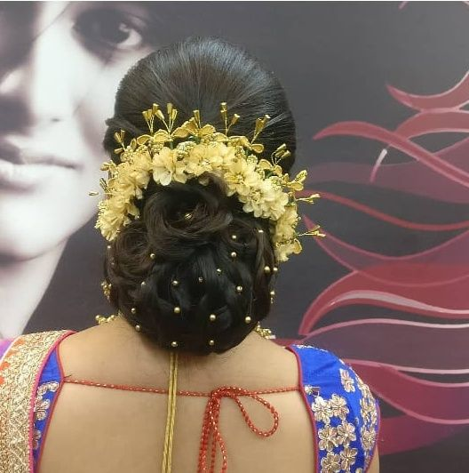 Pin By Srilu On Indian Hair Styles Bridal Hair Buns Bridal Hairstyle Indian Wedding Bridal Hairdo
