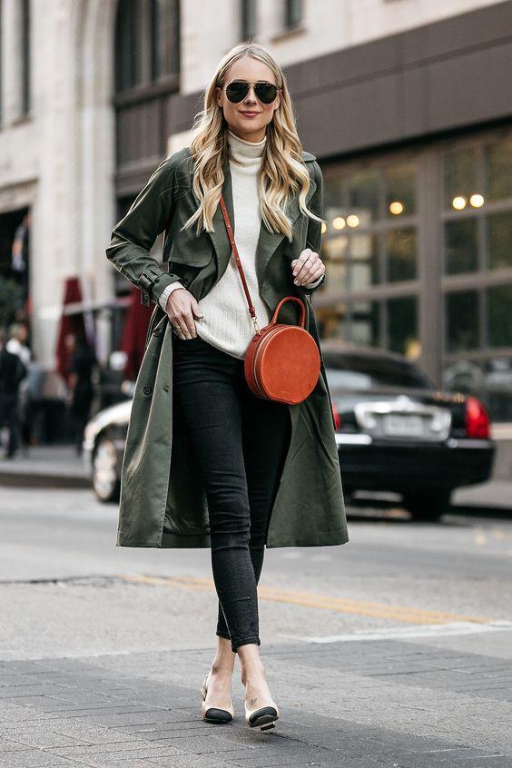 Blonde Woman Wearing Green Trench Coat White Sweater Black Skinny Jeans Chanel Slingbacks Mansur Gavriel Circle Crossbody Fashion Jackson Dallas Blogger Fashion Blogger Street Style
