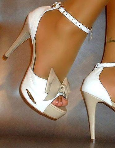 Khaki & white heels = LOVE!