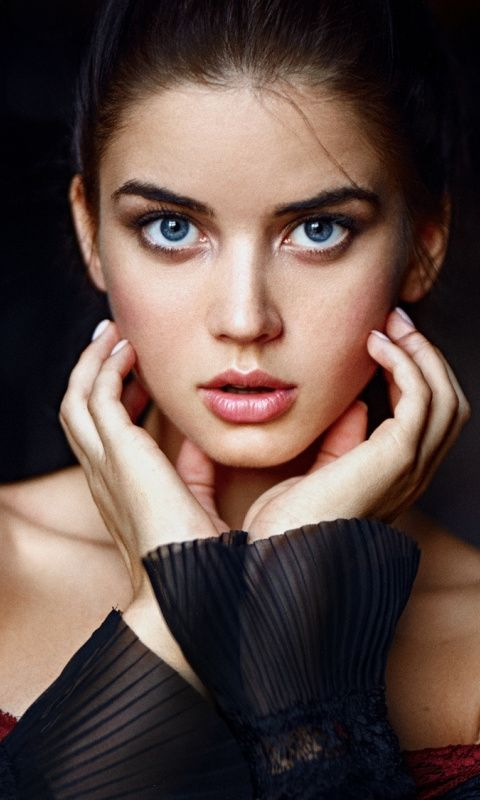 Blue Eyes Woman Curious Beautiful 480x800 Wallpaper