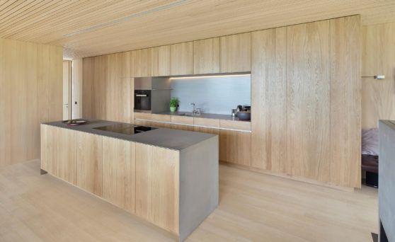 schlichte holz-küche mit kochinsel in modernem design, Hause deko