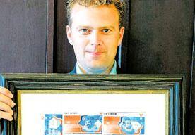 4-Jun-2013 6:22 - STAATSLOTERIJ MOET DOKKEN NA MISLEIDING. Jurist Ferdy Roet (33) vecht al 5 jaar tegen misleiding door de Staatsloterij. De loterij maakte reclame voor meer geldprijzen dan in…...