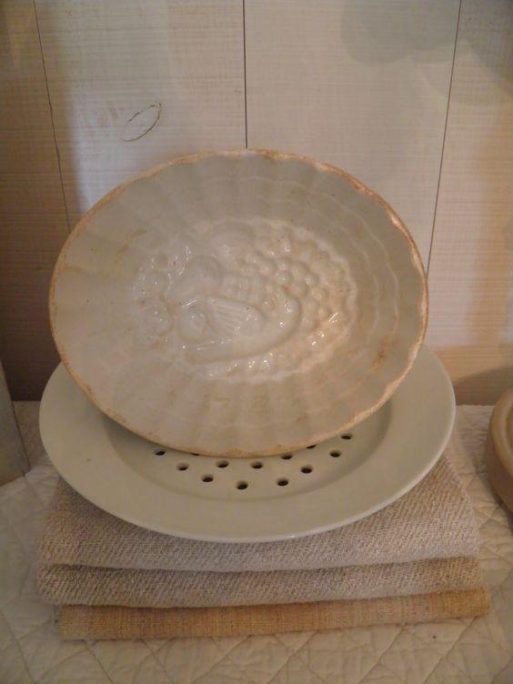 Harmonie de blancs pour vaisselle et chanvre