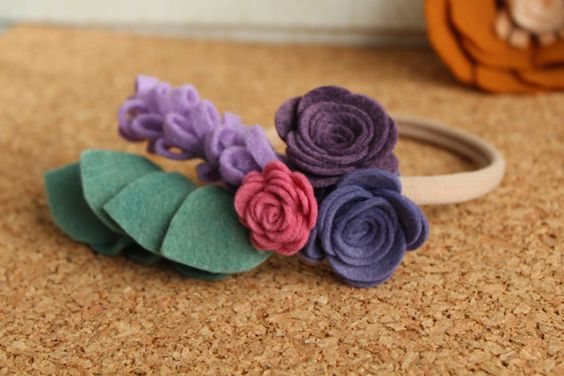 Retrouvez cet article dans ma boutique Etsy https://www.etsy.com/ca-fr/listing/477034743/fleur-sur-bandeau-de-nylon