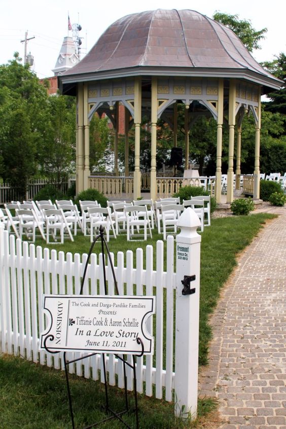 Weddings Reunions Groups Gather At The Historic Doller Home Grounds And Put In Bay Winery Reunite Let S Get Together Pinterest Wedding