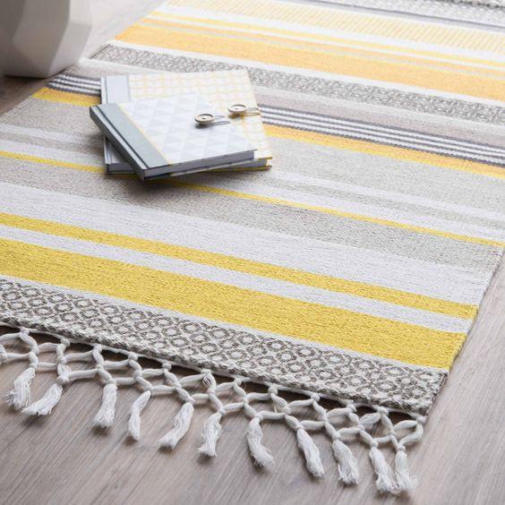 gestreifter teppich aus baumwolle gelb grau 60 x 100 cm. Black Bedroom Furniture Sets. Home Design Ideas