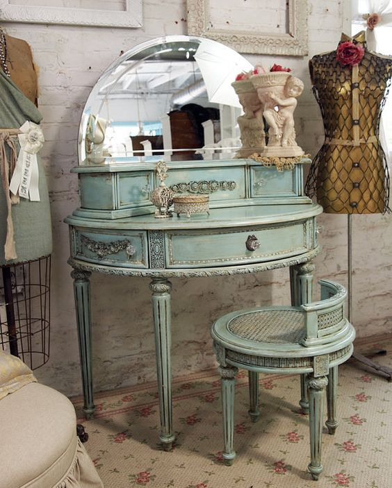 lovely...: Aqua Vanity, Shabby Chic Vanity, Aqua Bedroom, Antique Vanity, Cottage Aqua, Chic Aqua