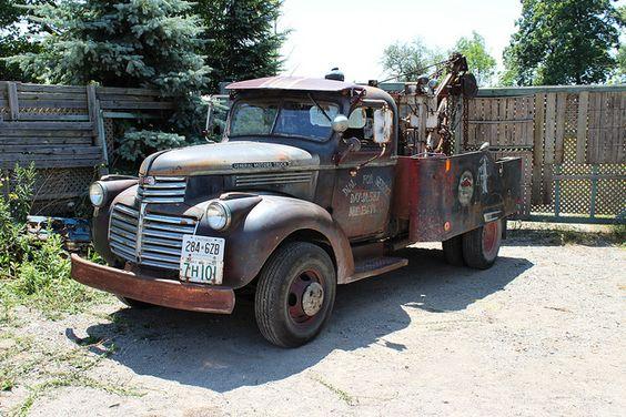 1941 GMC tow truck