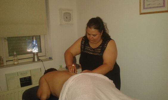 Hotstone massage bij massage salon José