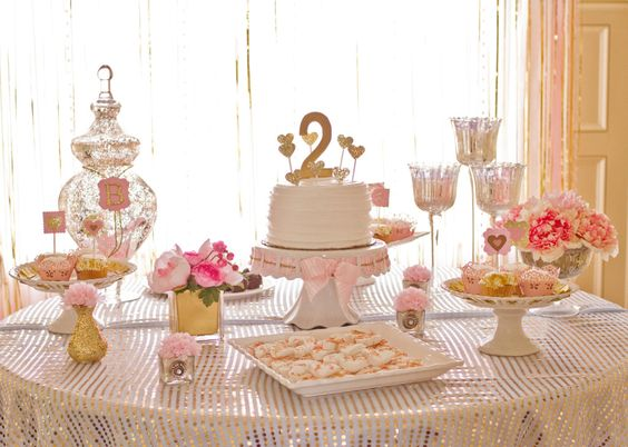 Pink and Gold Birthday Party - we love the pops of glitter! #kidsparty #desserttable