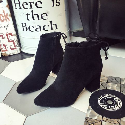 A+suitable+shoes+will+make+you+shining+all+the+days.+This+joker+shoes+you+can't+miss.+highlight+stability+chunky+heel+design,+non-slip+soles,+exquisite+outline,classical+style.+With+this+shoes+you+will+becomes+magnesium+lamp's+focal+point.  Gender:+Women's  Category:+Heels  Occasion:+Casual...