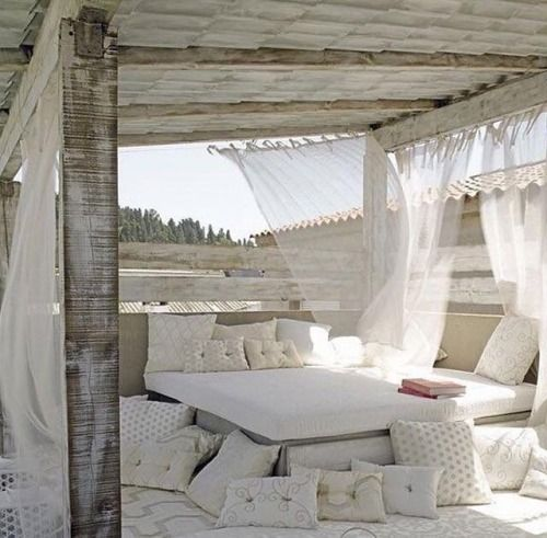 clean and beach-y outdoor space