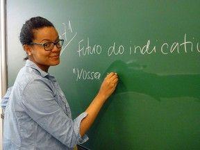 Me sinto uma rainha, diz brasileira professora no país nº 1 em educação