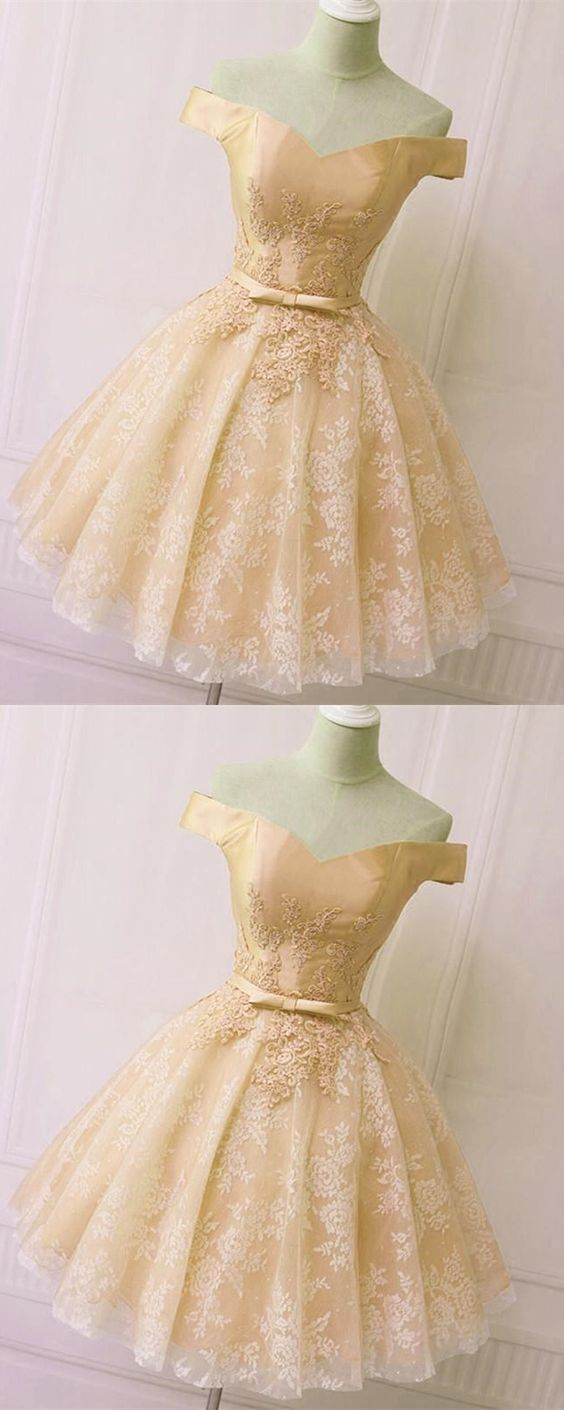 Short Champagne Lace Homecoming Dresses Off The Shoulder M7718 In 2021 Lace Homecoming Dresses Short Sweet 16 Dresses Short Lace Homecoming Dresses [ 1410 x 564 Pixel ]