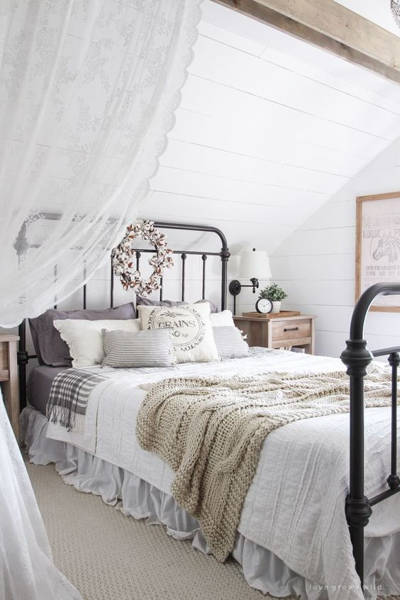 A beautiful farmhouse bedroom decorated with simple touches of fall!: