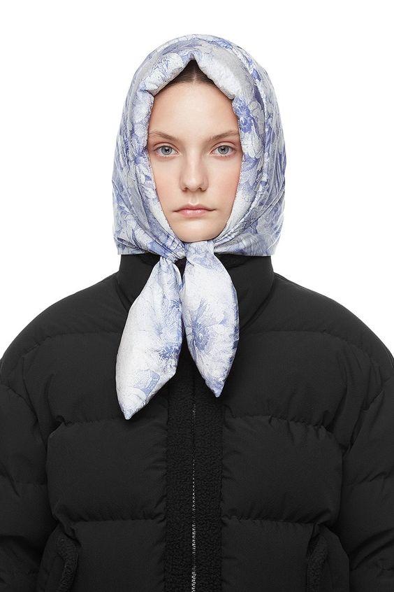 Hustka Hood Scarf Blue Angel | IENKI IENKI Women's Down Coat