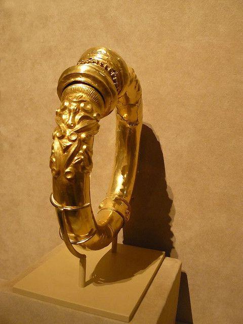 circa 200//100 BC ANCIENT CELTIC BRONZE WEDDING RING