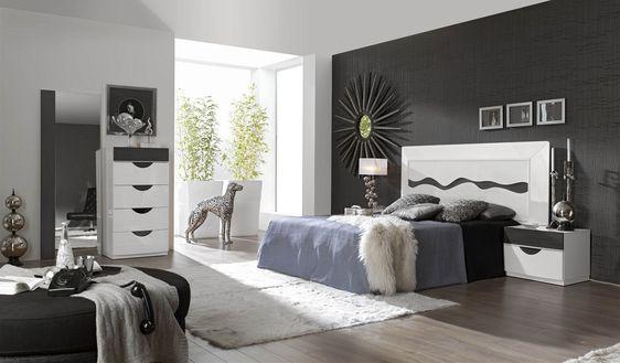 Bonito dormitorio de matrimonio en lacado blanco y chapa de nogal color ceniza compuesto por - Dormitorios color blanco ...